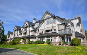 334 4490 Chatterton Way, Saanich East, BC, V8X 5H7 Canada