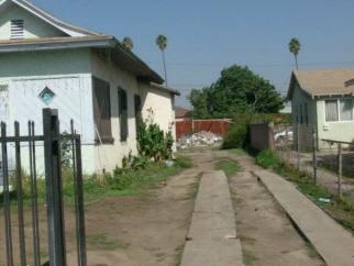927 W 81st Street, Los Angeles, CA, 90044