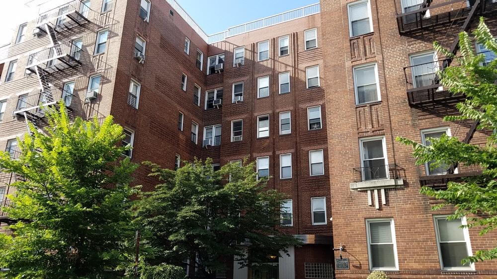 206 65-36 Wetherole St, Rego Park, NY, 11374 United States