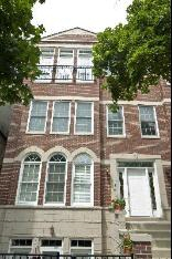 2S 3042 N. Oakley Avenue, Chicago, IL, 60618 United States
