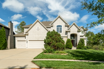 5302 W 164th Place, Overland Park, KS, 66085 United States