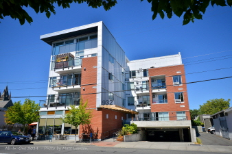 305 932 Johnson Street, Victoria, BC, V8V 3N4 Canada