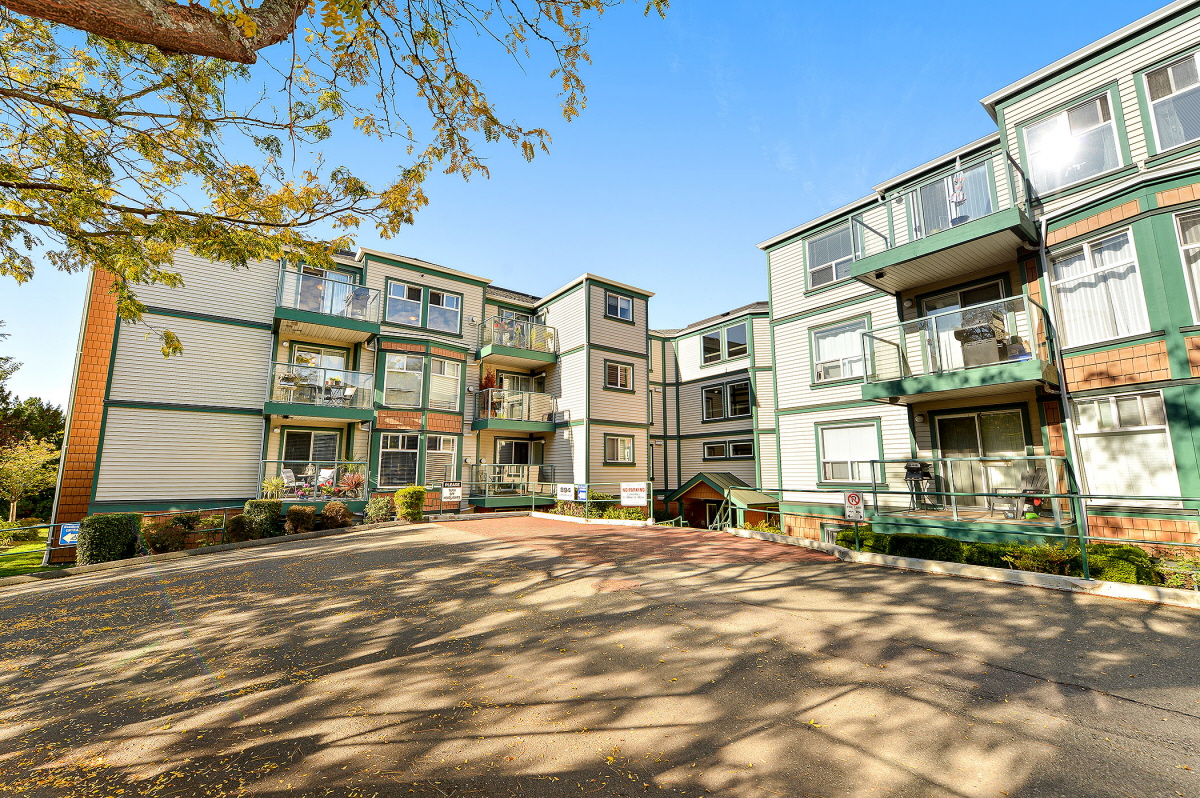 403 894 Vernon Avenue, Victoria, BC, V8X 2W6 Canada