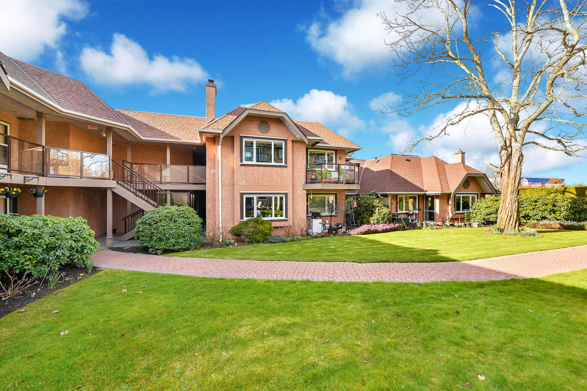 22 7070 West Saanich Rd, Brentwood Bay, BC, V8M 1P5 Canada