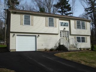 42 Oakwood Rd, Sturbridge, MA, 01010 United States
