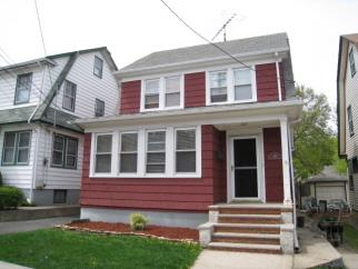 572 Metropolitan Ave, Staten Island, NY, United States