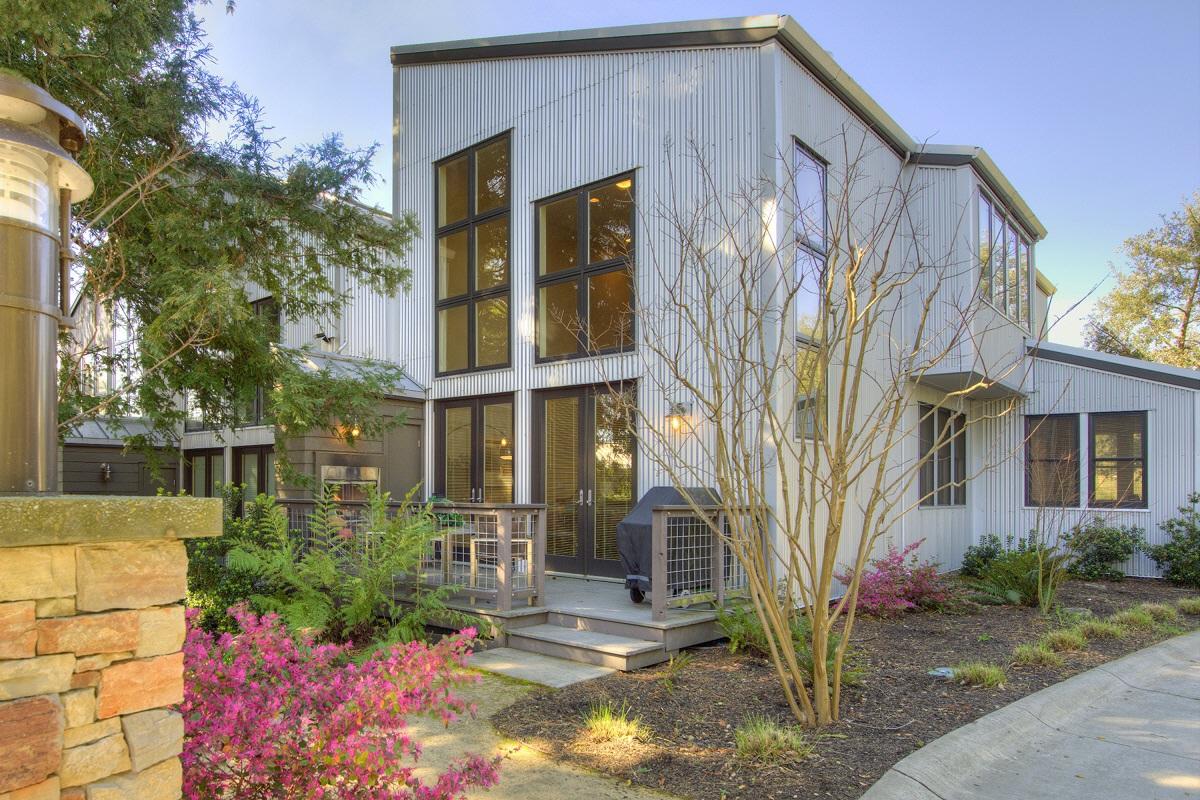 502 Grove Street, Healdsburg, CA, 95448 United States