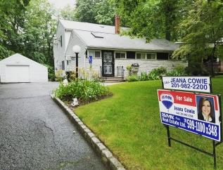 248 Hillside Ave, Paramus, NJ, 07652 United States